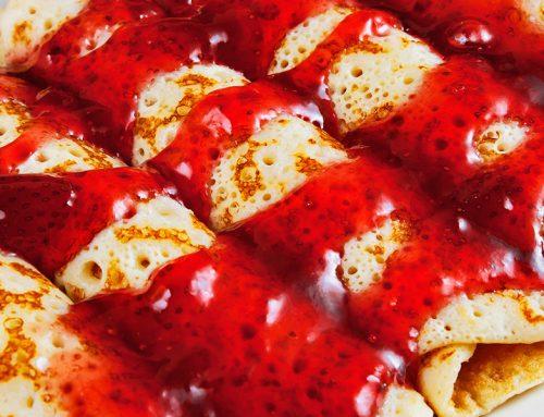 Crepes de fresas caramelizadas